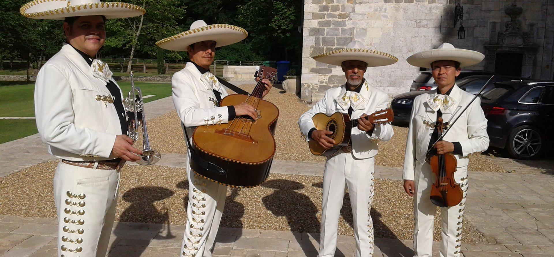 groupe de musique mariachi